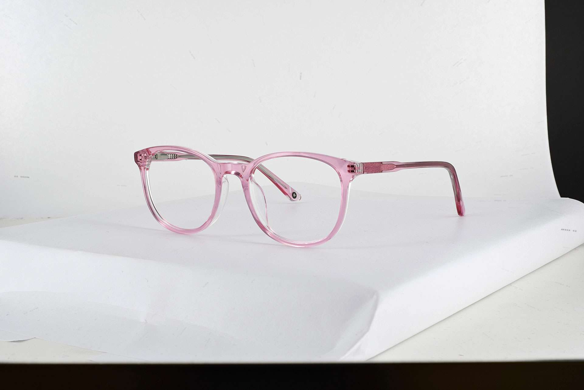 Ecommerce glasses with transparency retouching before