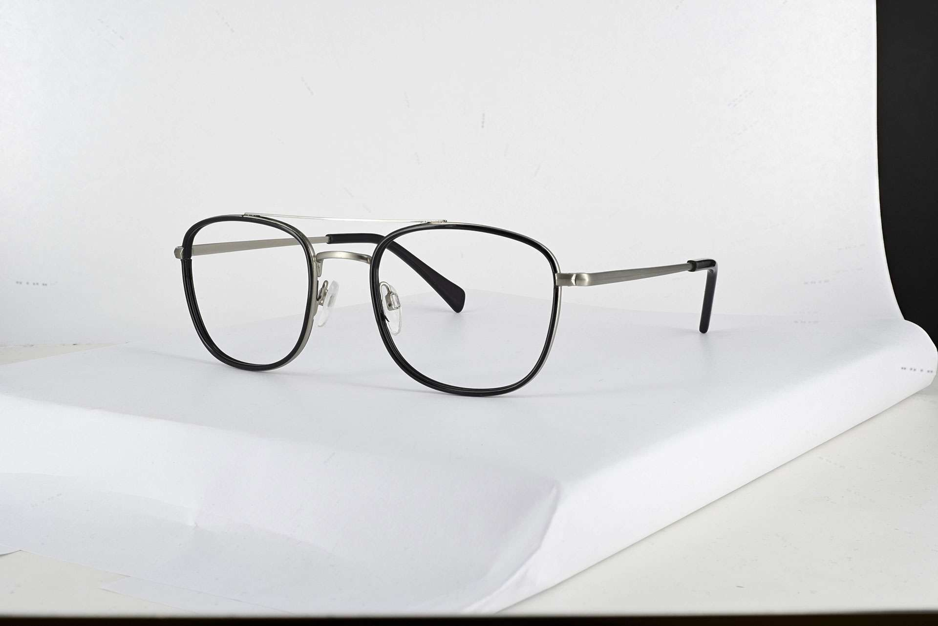 Ecommerce glasses retouching before